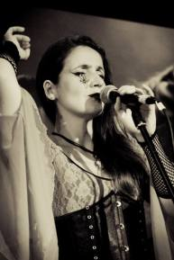Juliana Areias by Dani Mendes