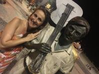 Juliana Areias Brazilian Tour Beco das Garrafas Rio Dez 2016 - Jobim Statue in Ipanema Beach