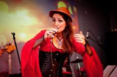 Juliana Areias Nocturnus Steampunk singing 9 lampiao 2013