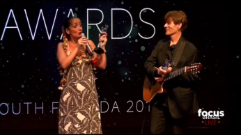 TV Globo International, Miami Florida USA - Focus Brazil Awards - Juliana Areias - Best Brazilian Album released in the US 2019 - with Ivo de Carvalho