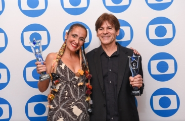 TV Globo International, Miami Florida USA - Focus Brazil Awards - Juliana Areias - Best Brazilian Album released in the US 2019 with Ivo de Carvalho
