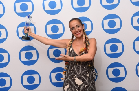 Juliana Areias Focus brasil award bu Ronira braco Globo International Miami USA Juliana Areias Bossa Nova Baby