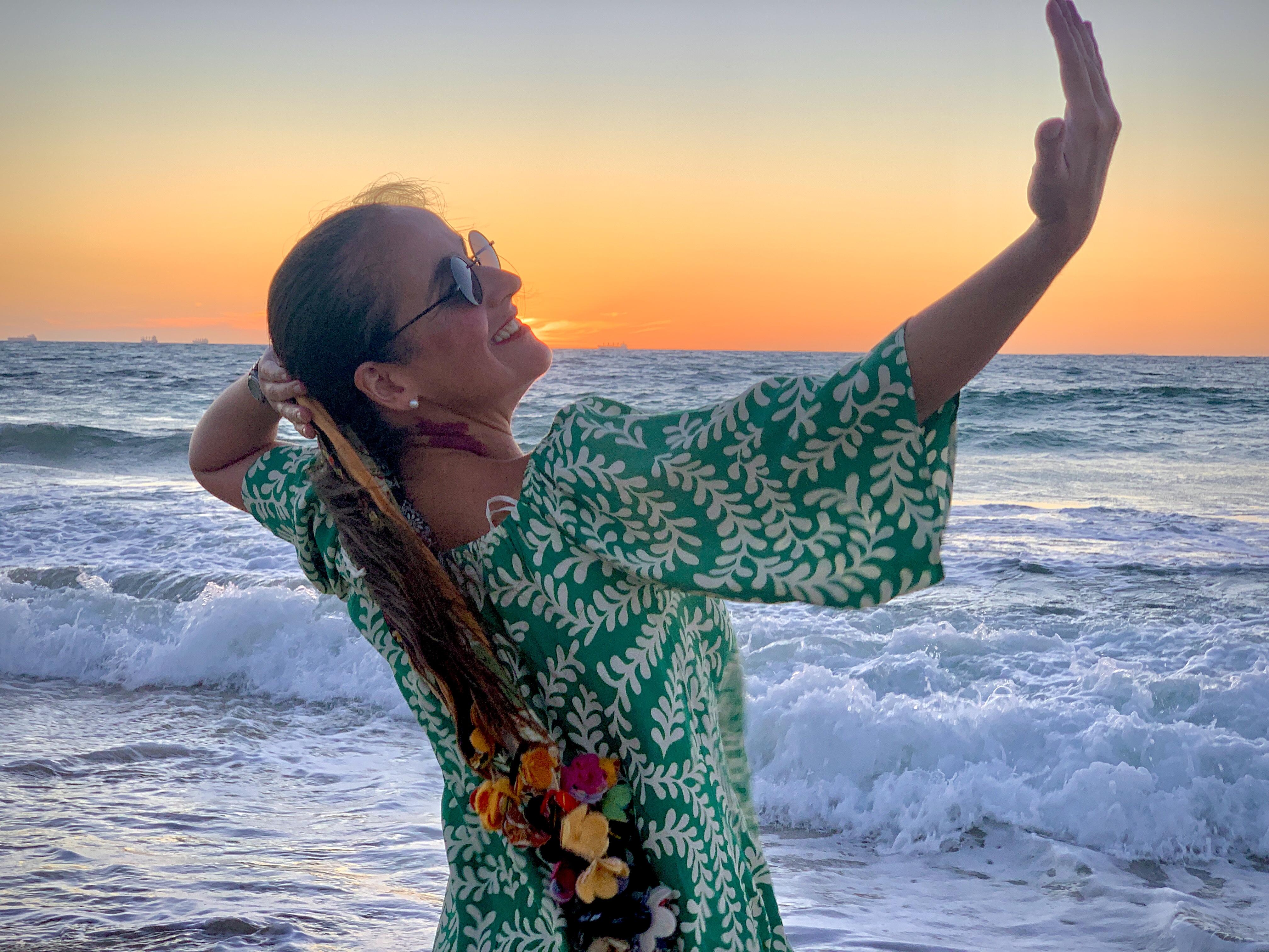 Juliana Areias Sunset Songs Cott 10